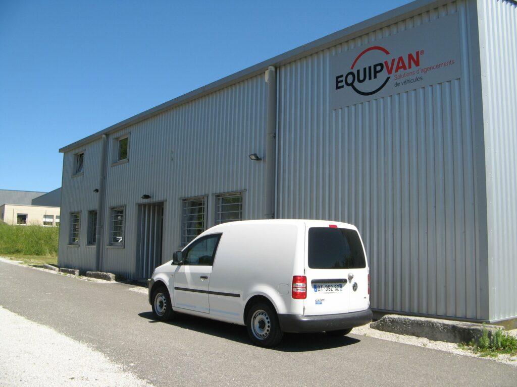 Aménagement du 1er véhicule N.Q.S par la société EQUIPVAN à Saint-Etienne