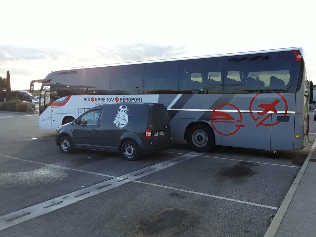 Intervention sur le bus Iveco Magelys pro. de la comapgnie TRANSDEV Sud à Eguilles