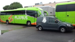 Intervention sur les bus IRIZAR de la compagnie AZUR LINE à Salon de Provence
